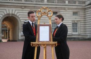 Μέγκαν Μαρκλ: Η επίσημη ανακοίνωση του Μπάκιγχαμ για το νέο βασιλικό μωρό [video, pics]