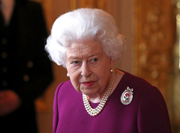 Το νέο της δισέγγονο βλέπει σήμερα η βασίλισσα Ελισάβετ στον Πύργο του Ουίνδσορ