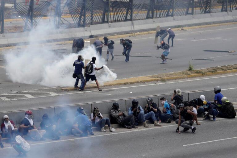 Βενεζουέλα: Νεκρή από σφαίρα νεαρή που συμμετείχε σε διαδήλωση της αντιπολίτευσης