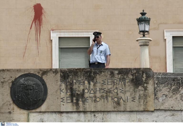 Επίθεση στη Βουλή: ΕΔΕ από την ΕΛ.ΑΣ. – Περίμεναν επιδρομή από τον Ρουβίκωνα