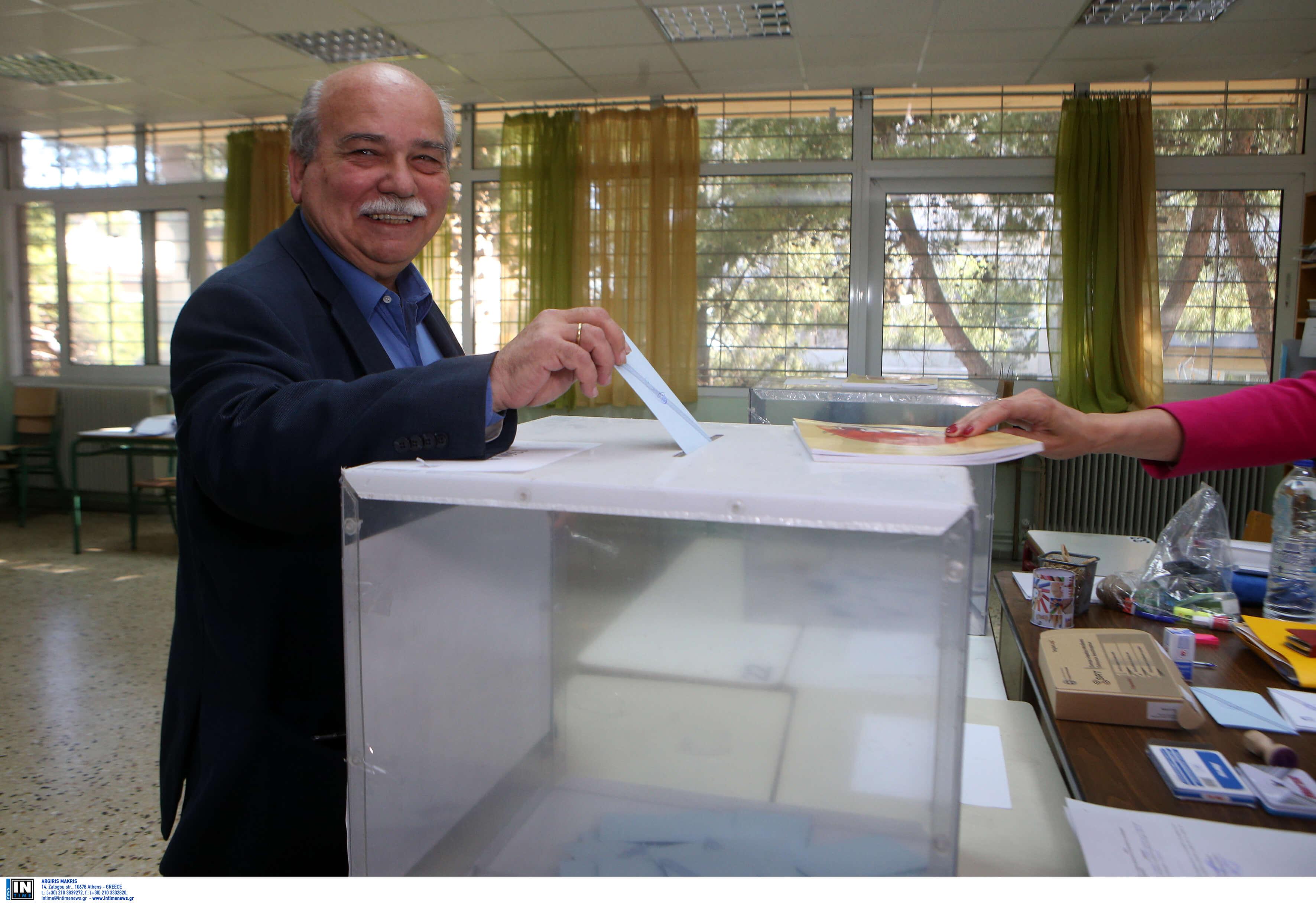 Εκλογές 2019: Ψήφισε και ο Νίκος Βούτσης