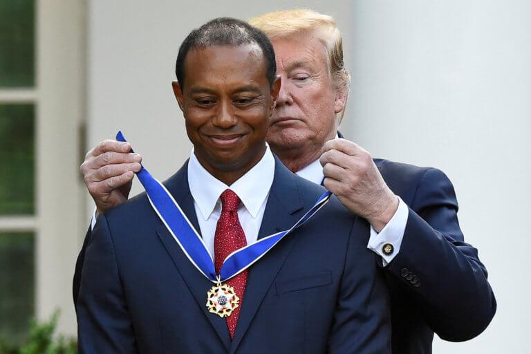 Ο Τραμπ τίμησε τον Τάιγκερ Γουντς με το «Προεδρικό Μετάλλιο της Ελευθερίας» – video, pics