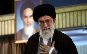 """Ιράν: Προειδοποιεί τις ΗΠΑ ο Χαμενεϊ – """"Η πολιτική τους θα αποτύχει, δεν θα συνομιλήσουμε ποτέ μαζί τους"""""""