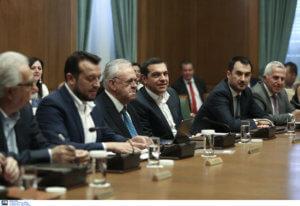 Υπουργικό συμβούλιο: Κλειστή η συνεδρίαση αλλά λαλίστατοι οι υπουργοί