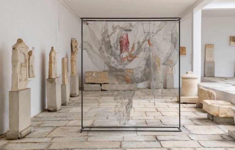 Μύκονος: Έκθεση σύγχρονης τέχνης στο αρχαιολογικό μουσείο – Το αριστούργημα του Giacometti!