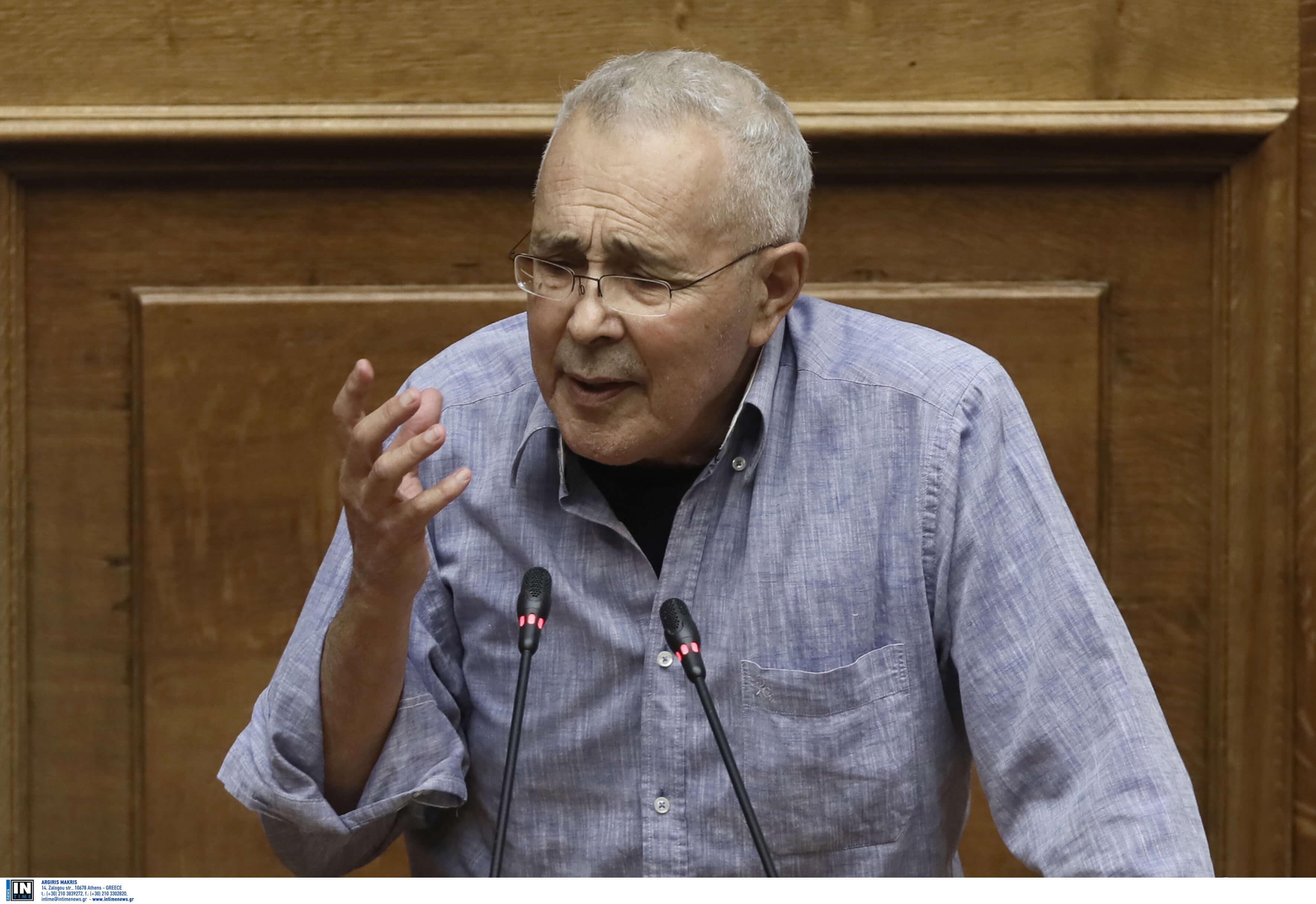 Ζουράρις: Να πέσει στα πόδια μου ο Μητσοτάκης και να μου ζητήσει συγγνώμη