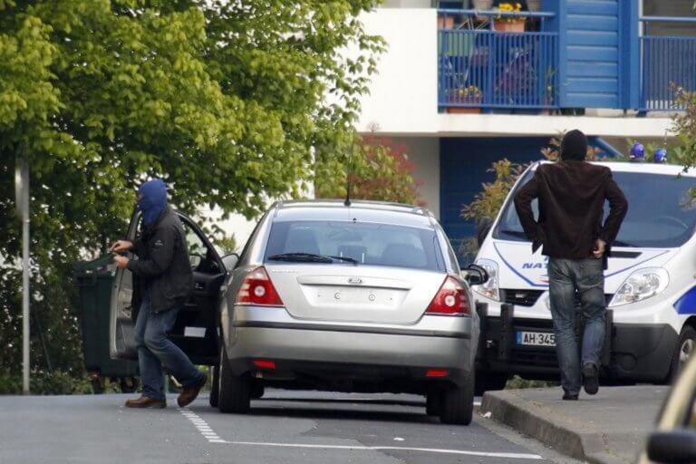 Γαλλία: Ένοπλος άνοιξε πυρ σε τζαμί στην πόλη Βρέστη – Ανθρωποκυνηγητό για τη σύλληψή του!