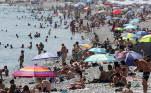 Γαλλία: Καταρρίφθηκε το ρεκόρ θερμοκρασίας – Έπιασε 44,3 βαθμούς ο υδράργυρος!