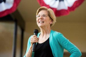 ΗΠΑ: Η Ελίζαμπεθ Γουόρεν στη δεύτερη θέση για το χρίσμα των Δημοκρατικών