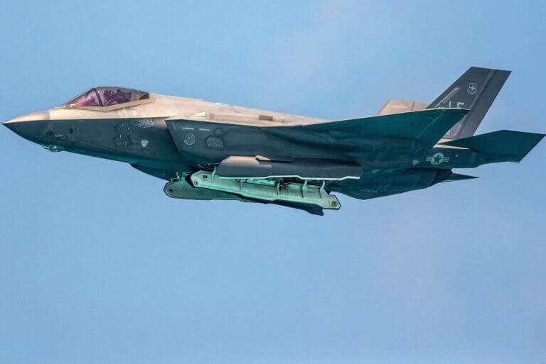 Γιατί η ιστορική πτώση του κόστους παραγωγής του stealth μαχητικού F-35 είναι σημαντική;