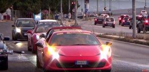"""Πάτρα: 40 αστραφτερές """"Ιταλίδες"""" τρέλαναν κόσμο στο πέρασμά τους! Video"""