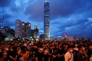 Χονγκ Κονγκ: Ο… θηλυκός «Κινγκ Κονγκ» που τρομοκρατεί τη νεολαία