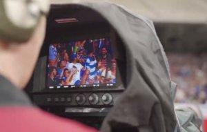 """Η """"τυχερή"""" κάμερα του ΟΠΑΠ μοιράζει συλλεκτικές εμφανίσεις της Εθνικής"""