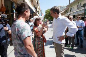 «Είμαι ο επόμενος πρωθυπουργός! Πες τα γλυκιά μου!» – video
