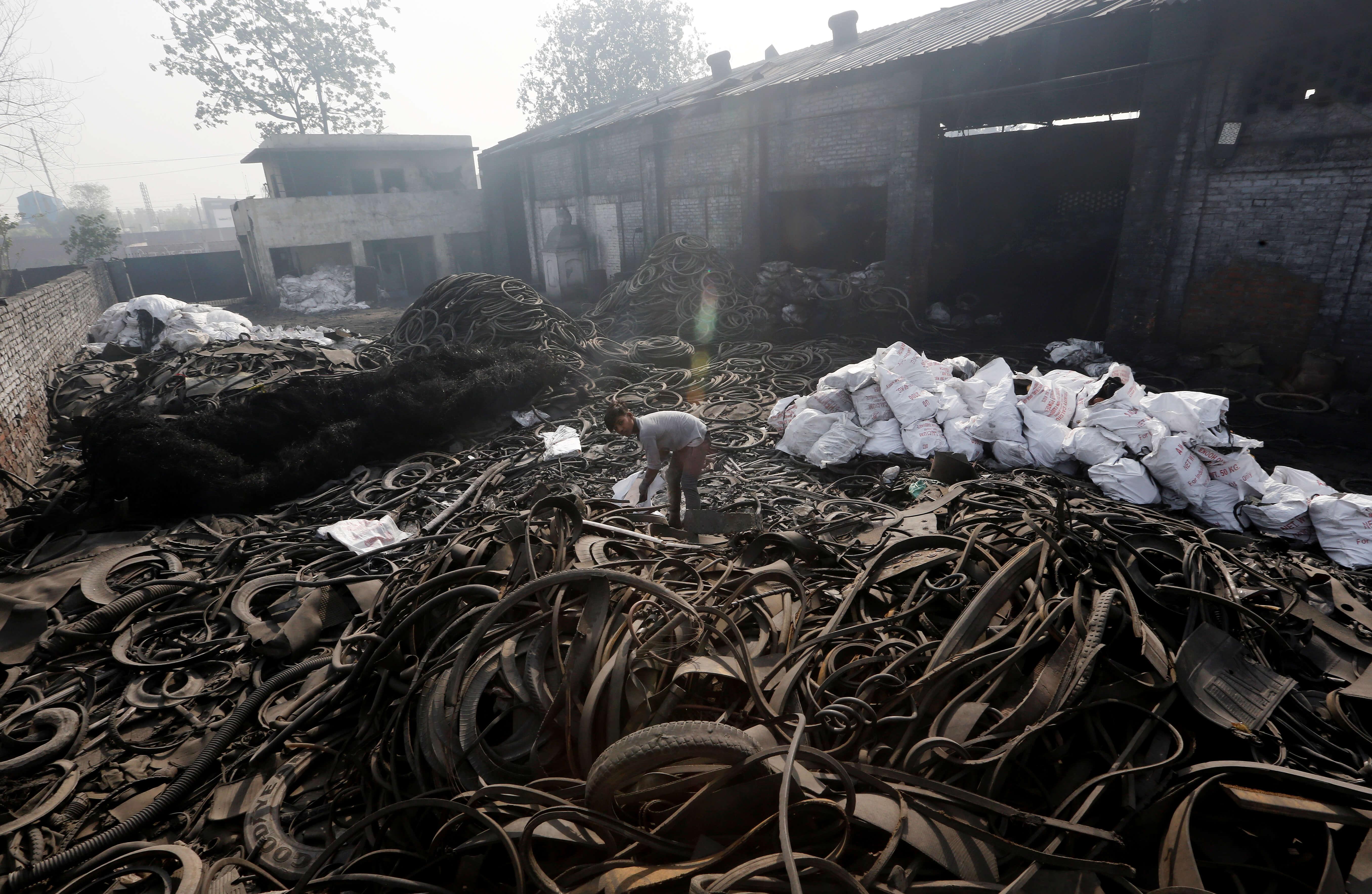 Μαλαισία: 500 σχολεία θα παραμείνουν κλειστά λόγω χημικών αποβλήτων