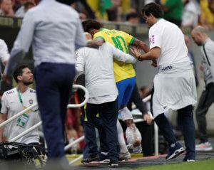 Ανατριχιαστική εικόνα! Το πόδι του Νέιμαρ μετά τον τραυματισμό