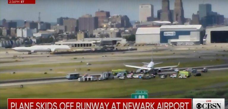 Νέα Υόρκη: Έκλεισε το αεροδρόμιο του Νιούαρκ όταν αεροσκάφος βγήκε εκτός πίστας!