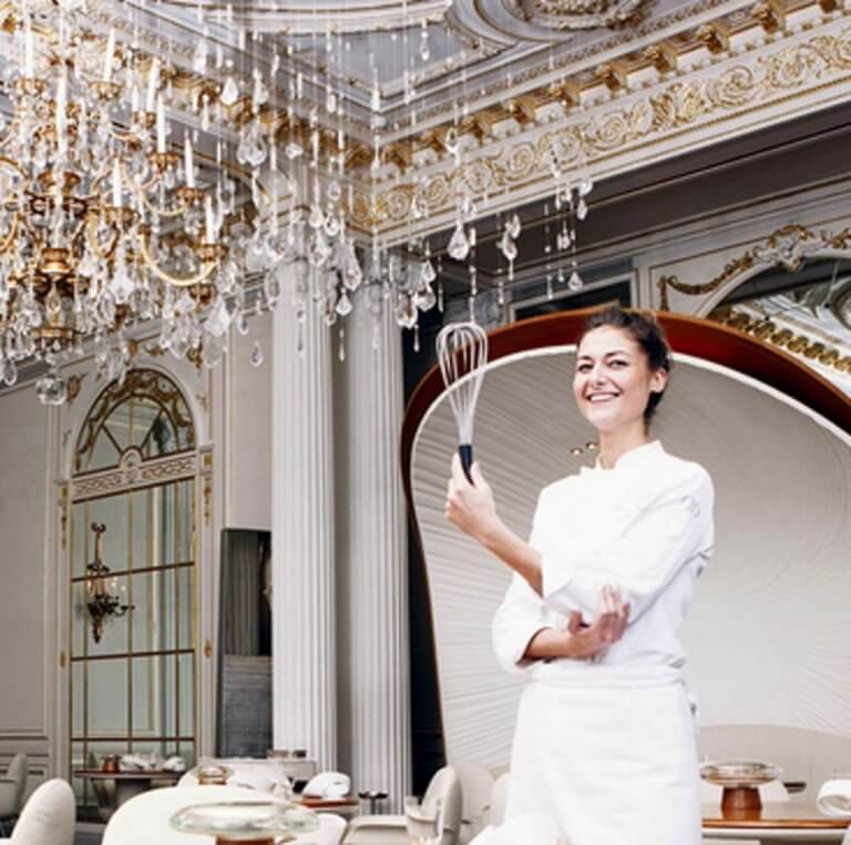 """Παρίσι: Αυτή είναι η καλύτερη """"ζαχαροπλάστρια του κόσμου""""!"""