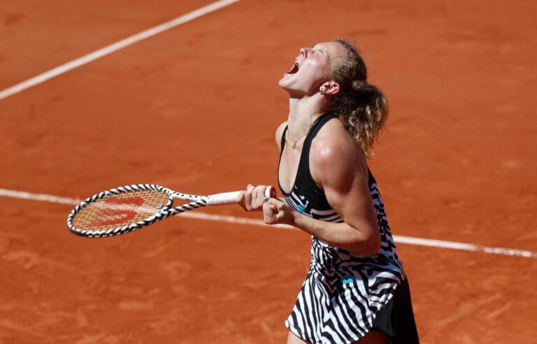 Roland Garros: Μετά την Σάκκαρη «πέταξε» και το Νο1 της παγκόσμιας κατάταξης