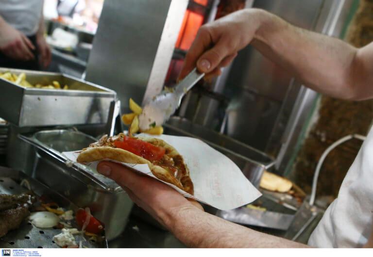 Τρώτε έξω; Συμβουλές για να επιλέξετε ασφαλή τρόφιμα