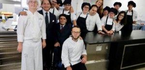 Ισπανία: Αστέρι Michelin σε ένα ιδιαίτερο εστιατόριο – Όλο το προσωπικό είναι ΑμΕΑ!