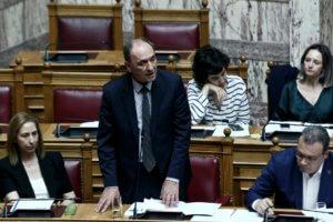 Σταθάκης για τη μετάταξη πρώην συμβούλου του από το υπουργείο στη Βουλή!