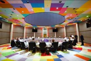 Βρυξέλλες: Μαραθώνια Σύνοδος Κορυφής – Ολονύχτια σκληρά παζάρια!
