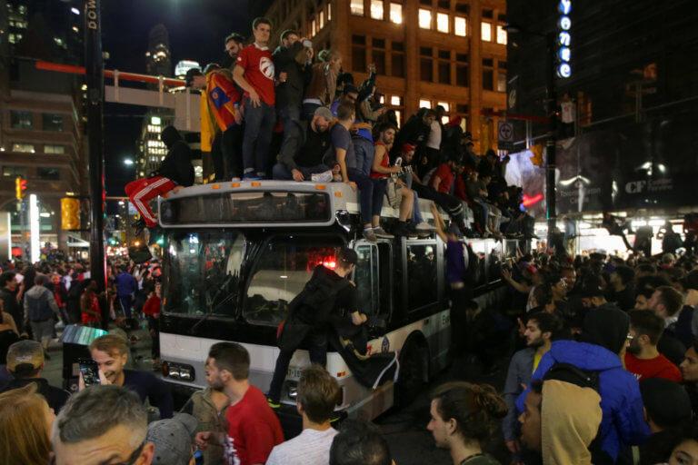 Ράπτορς: Ατελείωτο «πάρτι» στο Τορόντο για το ιστορικό πρωτάθλημα!
