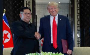 """Βόρεια Κορέα: """"Ιντριγκάρουν"""" τον Κιμ! """"Μην εμπιστεύεσαι τον Τραμπ""""!"""
