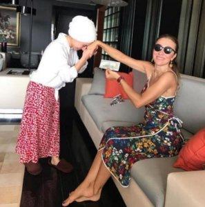 Τουρκία: Κράξιμο στα social media για την σύζυγο κορυφαίου υπουργού!
