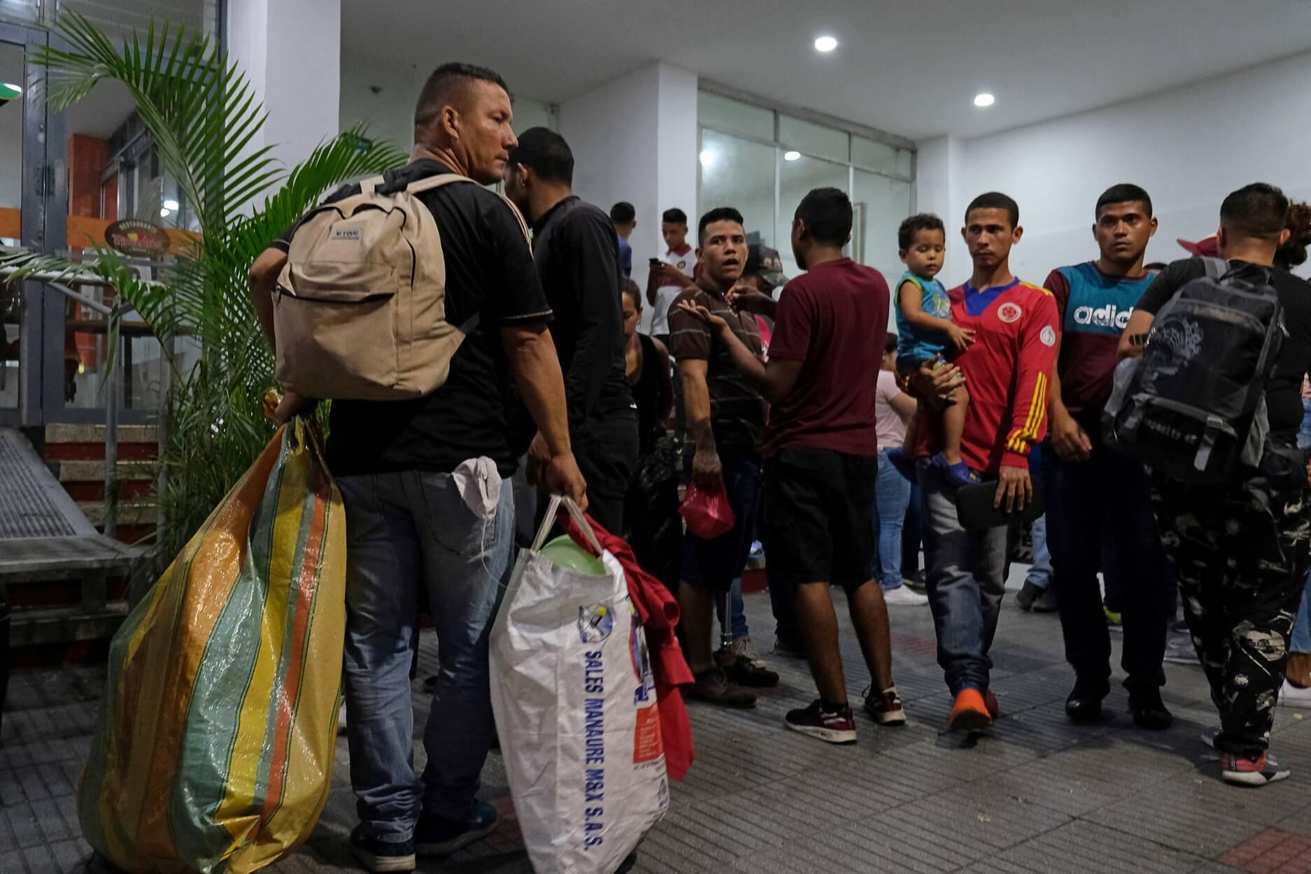 Βενεζουέλα – η μεγάλη φυγή: Τέσσερα εκατομμύρια άνθρωποι εγκατέλειψαν τη χώρα!