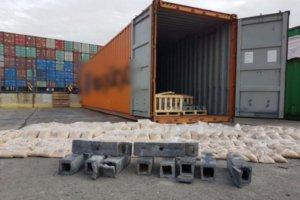 """Εκατομμύρια χάπια """"captagon"""" για τζιχαντιστές σε κοντέινερ στο λιμάνι του Πειραιά!"""