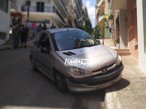 Τρελή πορεία αυτοκινήτου στο κέντρο της Λαμίας!