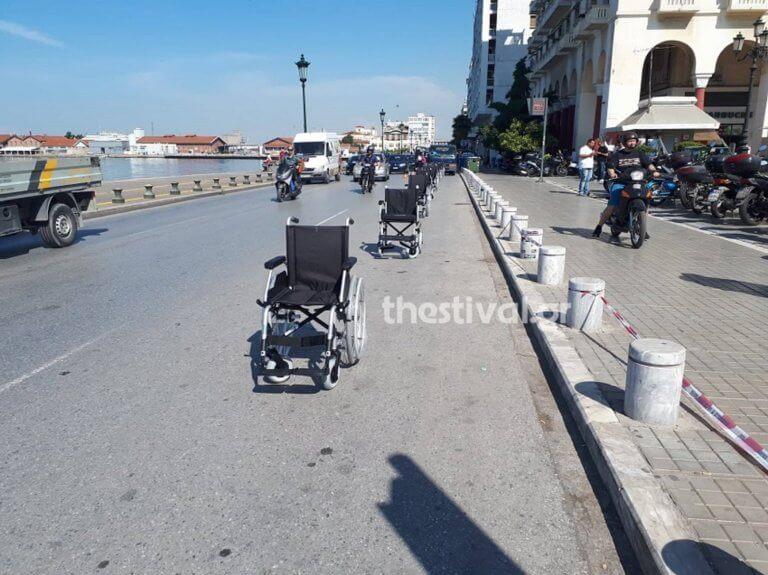 Θεσσαλονίκη: «Επιστρέφω σε 5 λεπτά» – Τους έδωσαν να καταλάβουν τα λάθη και την αδιαφορία τους [pics, video]