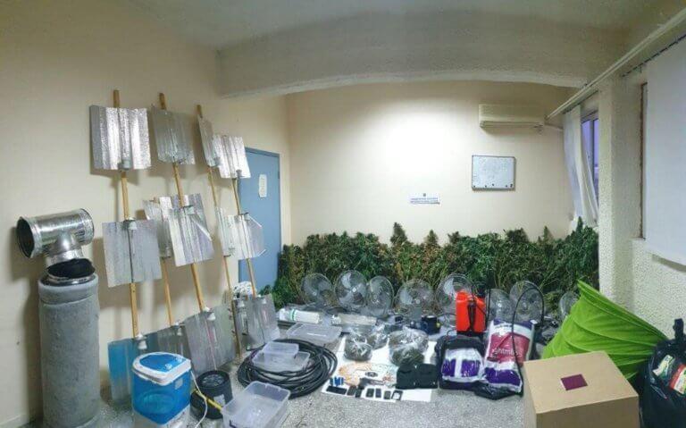 Φυτώριο υδροπονικής κάνναβης στο Κορωπί – Αποκαλυπτικές φωτογραφίες!