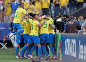 Αρχίζουν τα νοκ άουτ με βραζιλιάνικο πάρτι