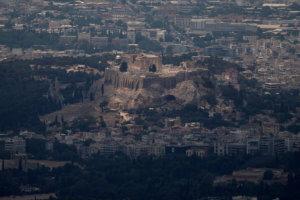 """Reuters: Η κλιματική αλλαγή """"σκοτώνει"""" την Ακρόπολη και τα άλλα αρχαία μνημεία!"""