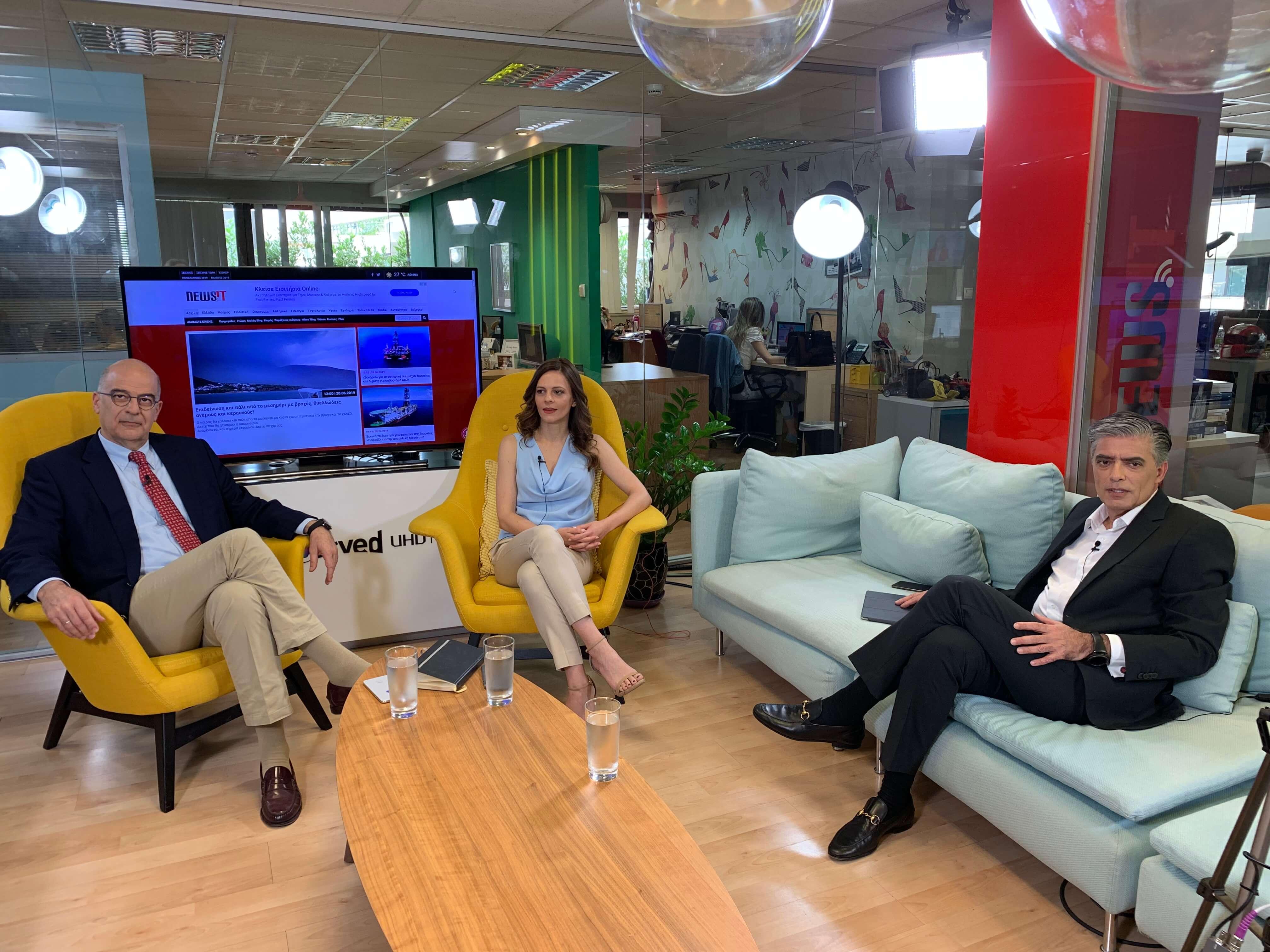 Debate στο newsit.gr: Αχτσιόγλου και Δένδιας για όλα!