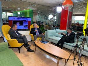 Debate στο newsit.gr: Γιώργος Κατρούγκαλος εναντίον Γιώργου Κουμουτσάκου