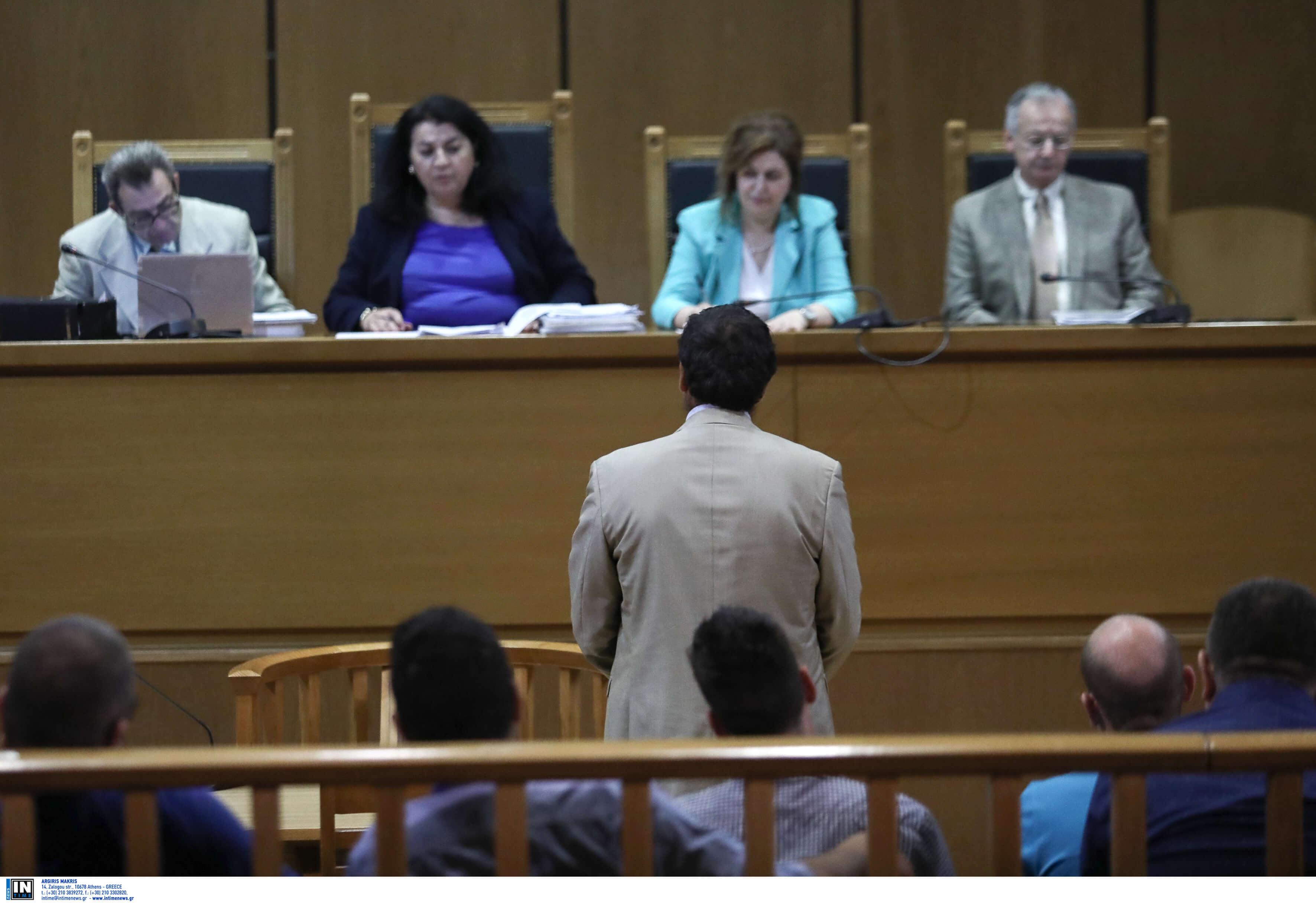 Δίκη Χρυσής Αυγής: Παραδέχθηκε τα επίμαχα τηλεφωνήματα ο Ιωάννης Άγγος - Τι υποστήριξε στην απολογία του