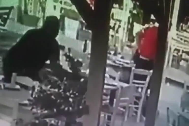 Χανιά: Άφησε τον δίσκο και του έσωσε τη ζωή – Το βίντεο ντοκουμέντο σε εστιατόριο [pics, video]
