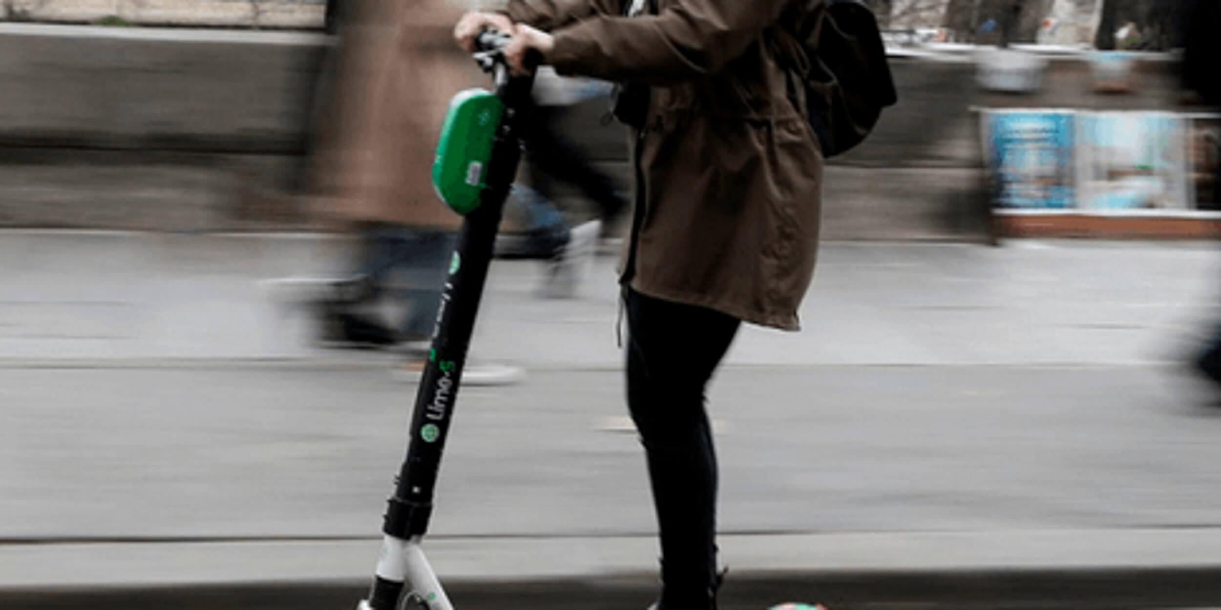 Ηλεκτρονικά πατίνια: Βάζει κανόνες το υπ. Μεταφορών – Τι προβλέπεται