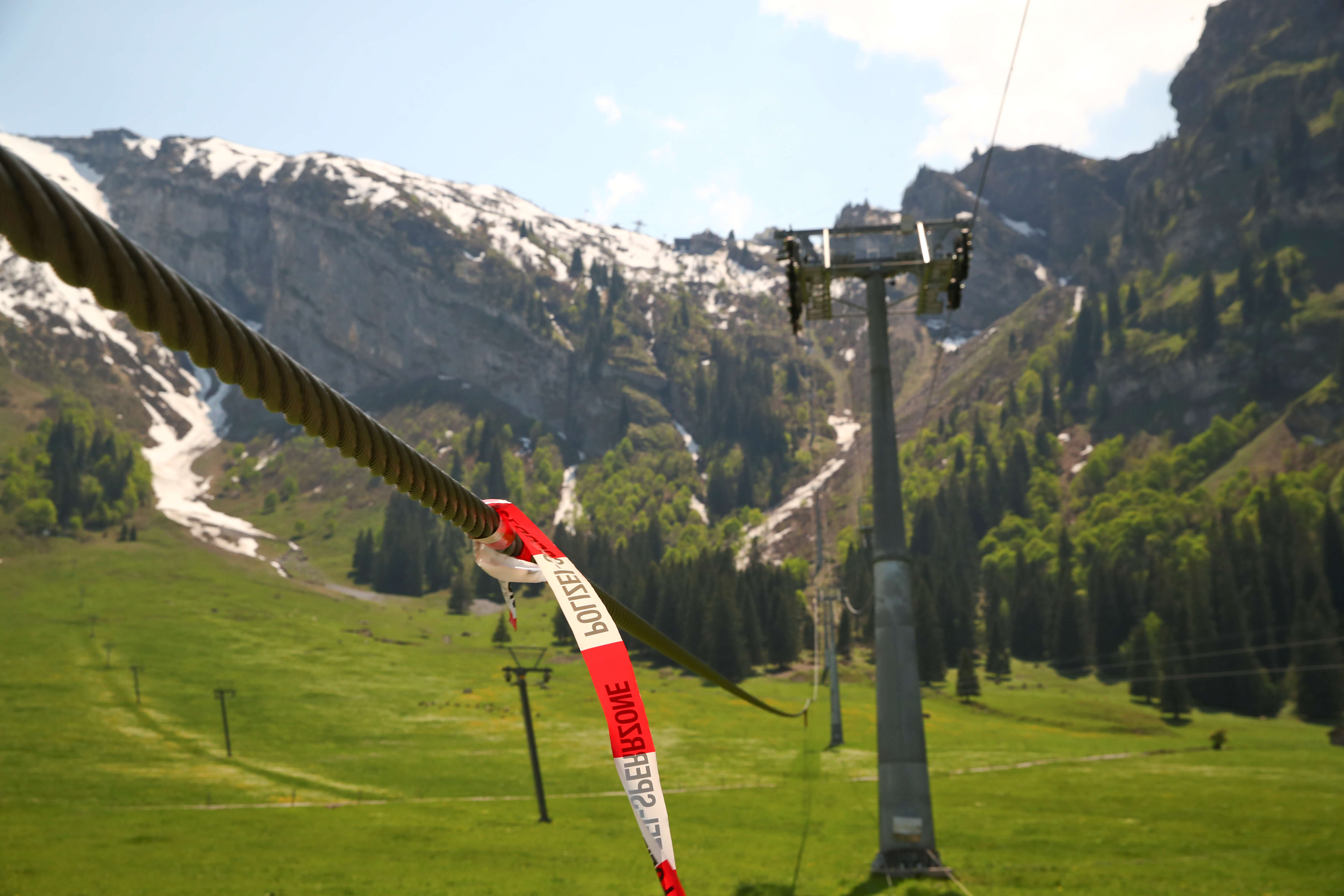 Τραγωδία στις Άλπεις! Ένας νεκρός και 6 τραυματίες σε χιονοδρομικό κέντρο [pics]