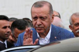 Κωνσταντινούπολη: «Χλωμιάζουν» οι εκλογές για τον Ερντογάν