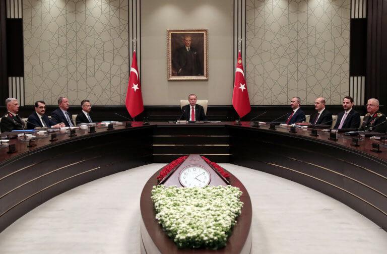 Τουρκία: Τσακίζει τα όνειρα και τα «φτερά» των νέων ο «σουλτάνος»!