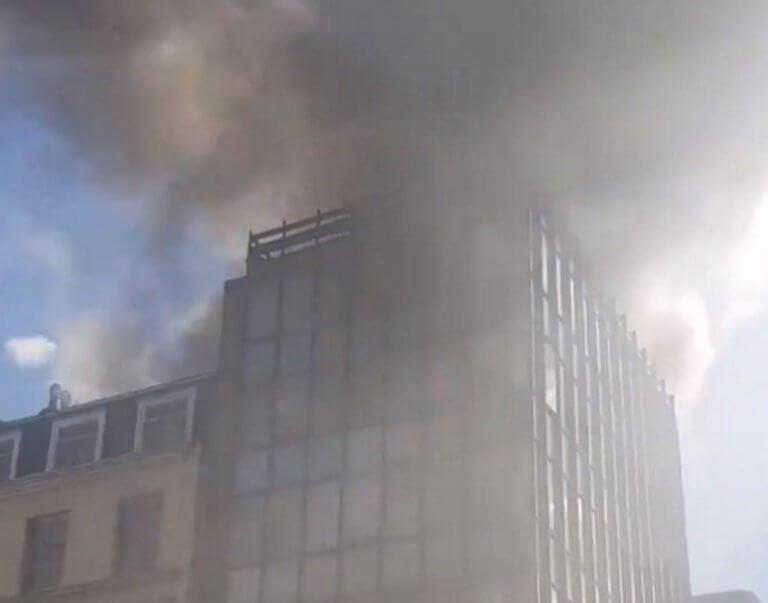Φωτιά στο Λονδίνο! Συναγερμός για τις πυκνές φλόγες!