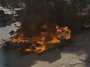 Συναγερμός για περίεργη φωτιά σε αυτοκίνητο στη Θεσσαλονίκη
