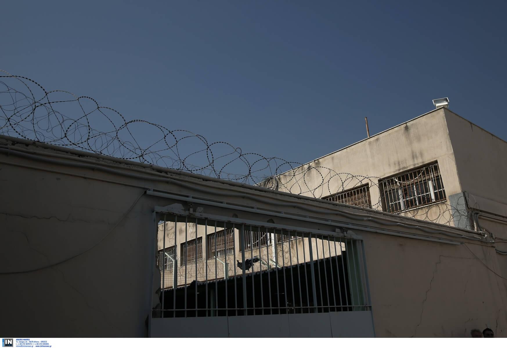 Φυλακές Κορυδαλλού: Προσπάθησε να περάσει ναρκωτικά και τον συνέλαβαν