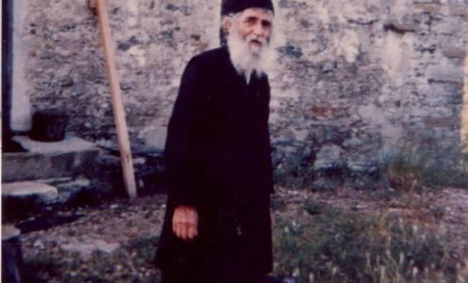Πώς ο Άγιος Παΐσιος προφήτεψε την ανοικοδόμηση του ναού του στην Κύπρο 22 χρόνια πριν!