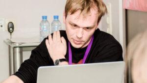 Ρωσία: Στο νοσοκομείο ο δημοσιογράφος που συνελήφθη για διακίνηση ναρκωτικών